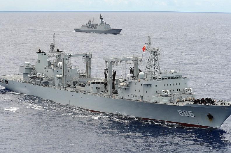 Okręty wojenne marynarki Chińskiej Republiki Ludowej (pierwszy plan) oraz Korei Północnej. Fot.: http://www.dvidshub.net/image/1471720/rimpac-2014-photoex#.U-jReKNQmfg