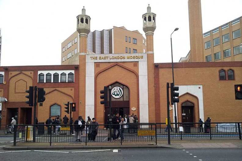Jeden z 423 londyńskich meczetów. Należy do największych muzułmańskich świątyń w całej Europie.  Fot.: Dilwar H/ Wikimedia Commons