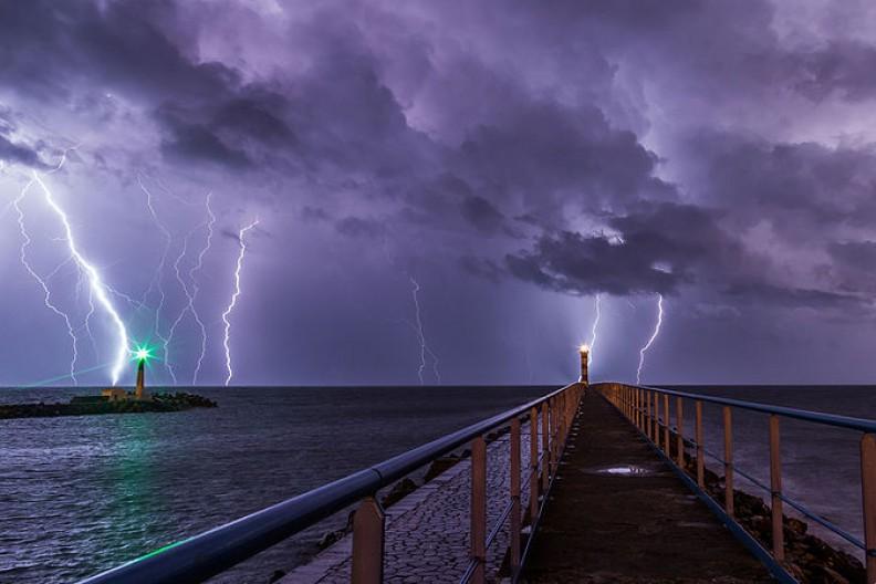 Ekstremalne zmiany w pogodzie mogą przyczynić się m.in. do destabilizacji lokalnych władz w wyniku braku zasobów i środków do życia. Fot.: Maxime Raynal/Wikimedia Commons