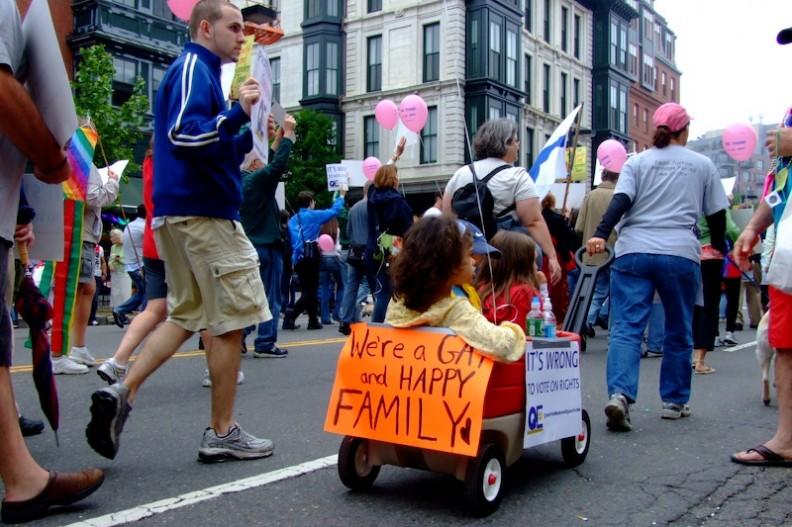 W świat ideologii gender wprowadza się nawet dzieci.  Fot.: Melinda/Wikimedia Commons