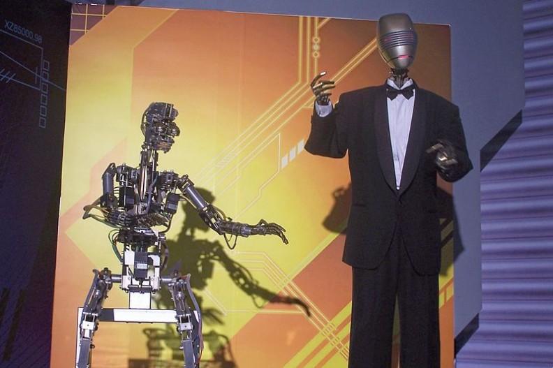 Wystawa robotów przyszłości w Hong Kongu. Fot.: Ngchinfung/ Wikimedia Commons