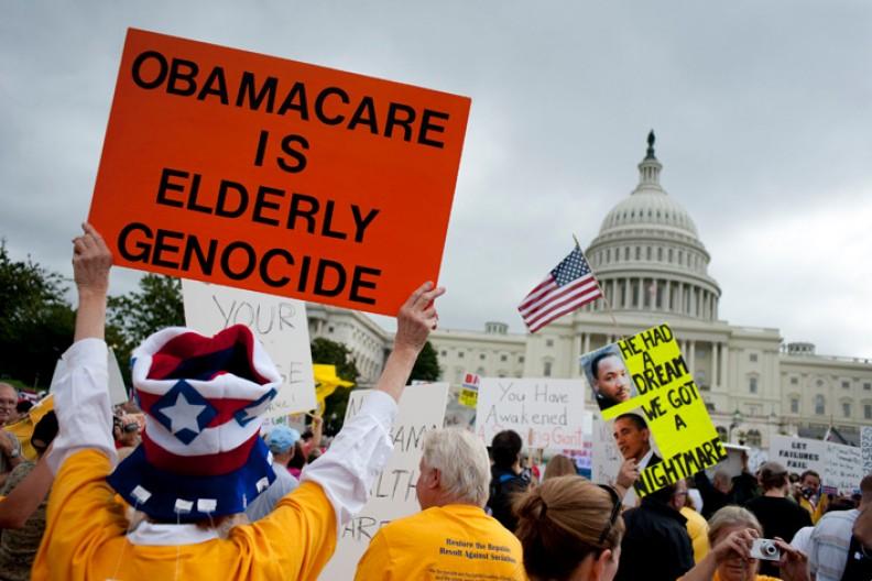 Amerykanie protestujący przeciwko ustawie Obamacare.  Fot.: ProgressOhio/Wikimedoa Commons