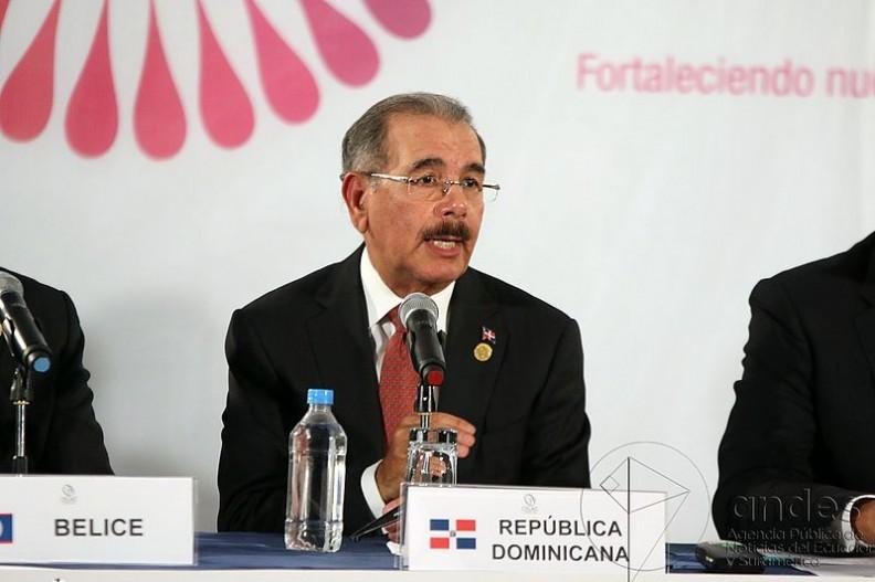 Bliscy współpracownicy prezydenta Dominikany Danilo Medina, przyjęli 92 miliony dolarów łapówek.   Fot.: Agencia de Noticias ANDES/Wikimedia Commons