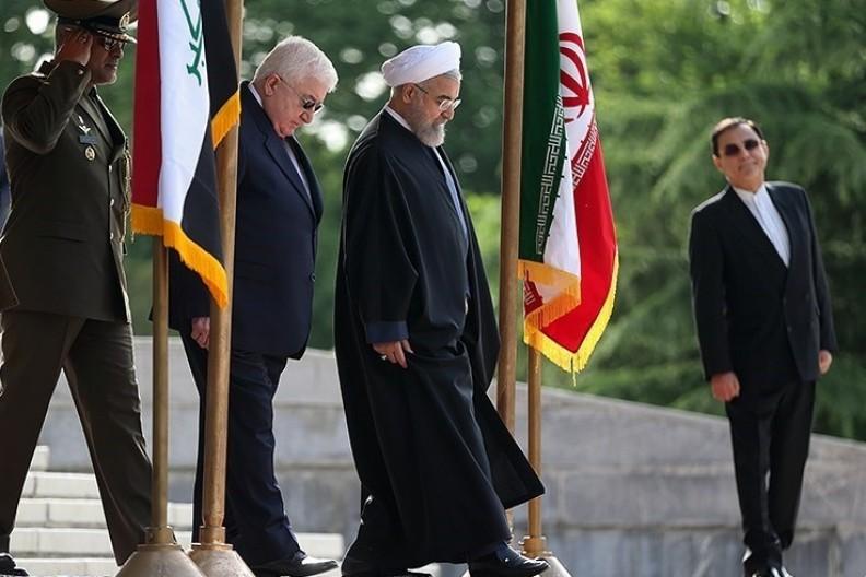 Prezydent Iranu Hasan Rouhani wraz z prezydentem Iraku Fu'adem Masumem.    Fot.: Mohammad Hassanzadeh/4.0 International License/Wikimedia Commons