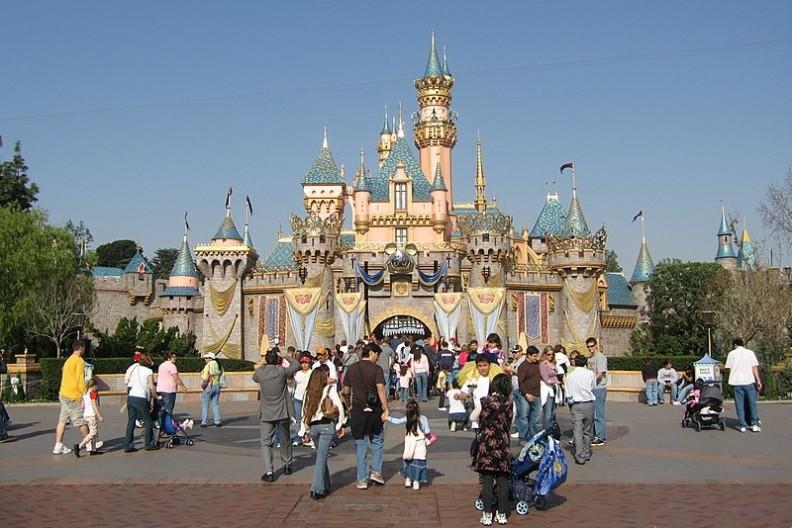 W obawie przed posądzeniem o dyskryminację, Disneyland bardzo szybko zmienił zasady organizowanego przez siebie wydarzenia.    Fot.: RAGB~commonswiki/Wikimedia Commons