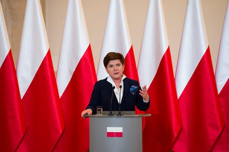 Premier Beata Szydło powiedziała, że rząd polski zrobi wszystko, by zapewnić bezpieczeństwo obywatelom.   Fot.: P. Tracz/ KPRM/Wikimedia Commons