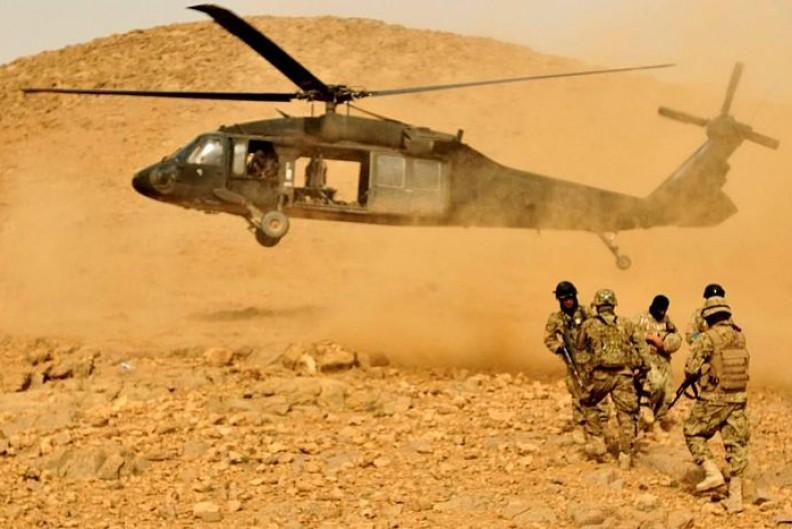 Żołnierze NATO podczas misji przeciwko talibom w Afganistanie.   Fot.:NATO Training Mission-Afghanistan/ 2.0 Generic/Wikimedia Commons