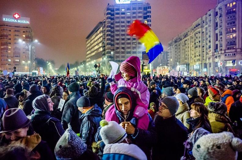 Antyrządowe protesty w Rumunii w styczniu 2017 roku.    Fot.: Mihai Petre/4.0 International/Wikimedia Commons