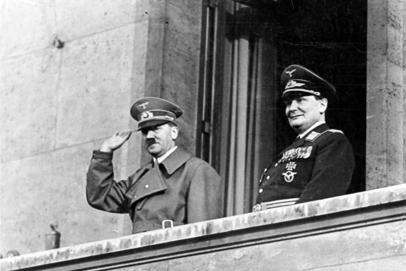 Adolf Hitler i Hermann Göring w Berlinie.    Fot.:  Bundesarchiv, Bild 183-2004-1202-504 / CC-BY-SA 3.0/Wikimedia commons