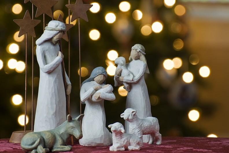 Celem pewnych środowisk jest uczynieniem świąt Bożego Narodzenia czasem w którym zamiast Boga będzie liczyć się konsumpcjonizm i egoizm.   Fot.:Jeff Weese/2.0/Wikimedia commons
