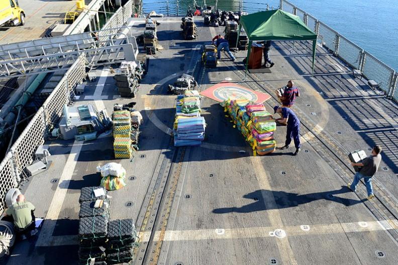 W samej Hiszpanii każdego roku policja przechwytuje 22 tony przemycanych narkotyków.   Fot.:Petty Officer 2nd Class Connie Terrell/Wikimedia commons