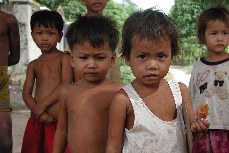 Ofiarami pedofilów padają najczęściej chłopcy.   Fot.: Cambodia4kids from Massachusetts, USA/2.0/Wikimedia commons