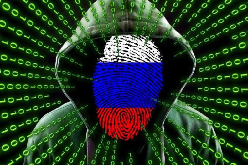 Wielka Brytania oficjalnie oskarżyła Rosję o przygotowanie zmasowanego cyberataku NotPetya. Fot.: na podst kurious i geralt / pixabay