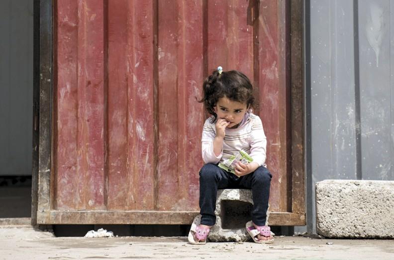 Jedno z irackich dzieci w obozie dla uchodźców w Syrii. Fot. Archiwum Papieskiego Stowarzyszenia Pomoc Kościołowi w Potrzebie.