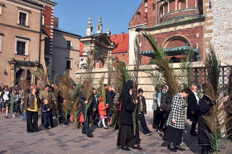 Procesja w Niedzielę Palmową na Wawelu. Fot. Adam Bujak