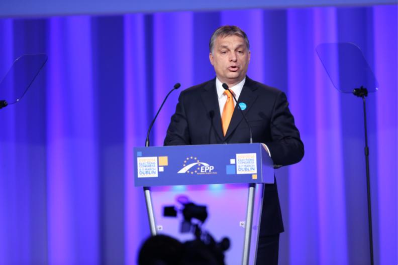Viktor Orbán, przewodniczący zwycięskiej, narodowej i konserwatywnej partii Fidesz na Węgrzech. / Źródło: Flickr.