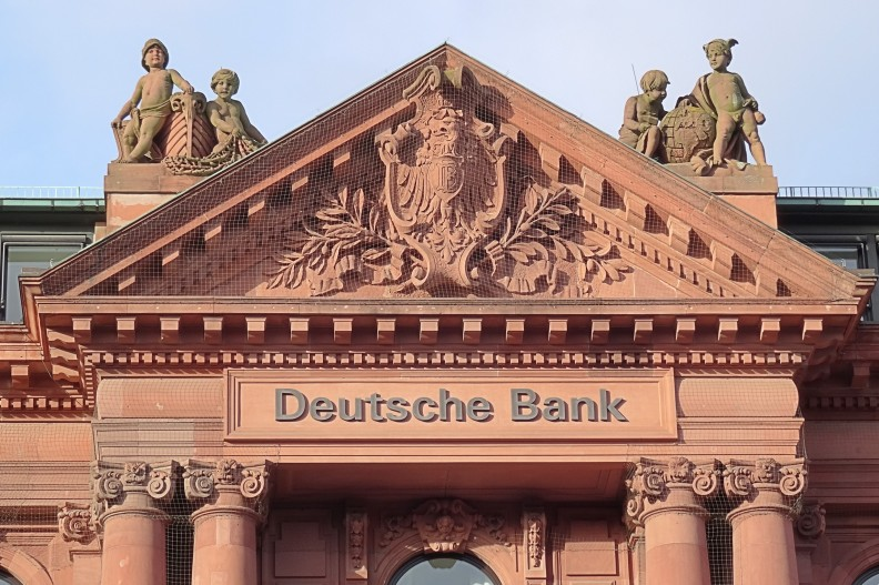 Placówka Deutsche Bank w niemieckiej Bremie. Fot.: Godewind/CC-BY-SA-3.0