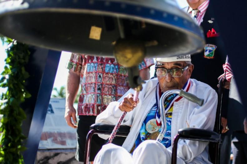 Źródło: commons.wikimedia.org / Ray Chavez uderza w Dzwon Wolności
