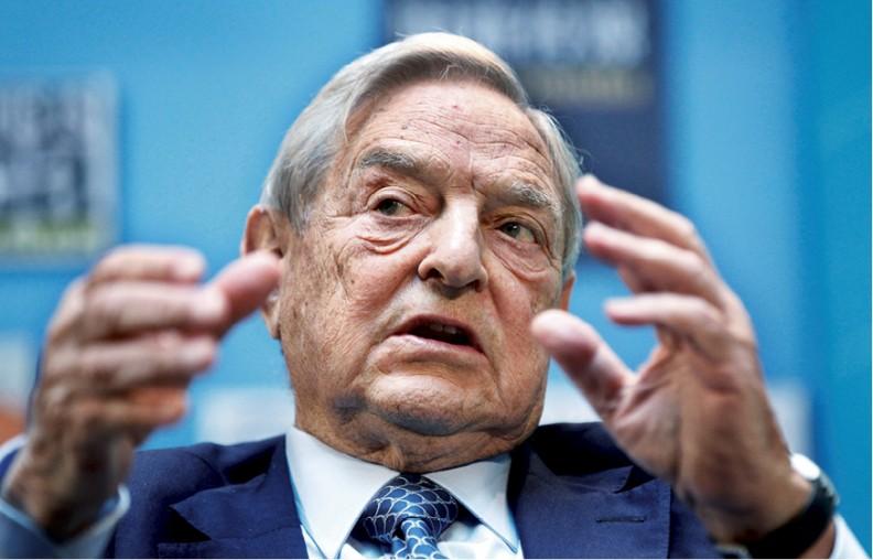 George Soros (ur. 1930r. wBudapeszcie jako György Schwartz), amerykański finansista pochodzenia żydowsko--węgierskiego, inwestor ispekulant walutowy, sponsor organizacji pozarządowych wwielu krajach świata, zwykształcenia filozof.