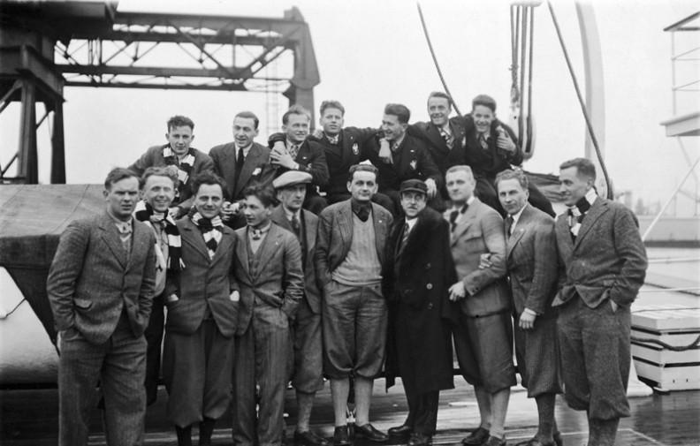 Narciarze i hokeiści – reprezentacja Polski na Zimowe Igrzyska Olimpijskie w Lake Placid na statku pasażerskim SS France, 1932r.