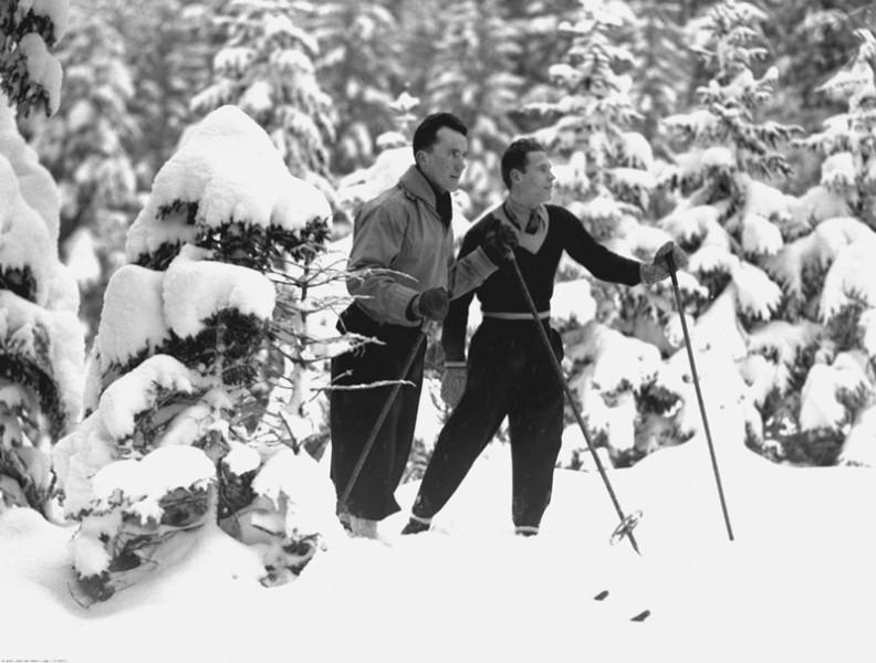 Trening Bronisława Czecha (z lewej) i Stanisława Marusarza w Tatrach, styczeń 1935r.