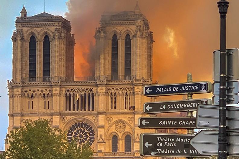 Pożar w katedrze Notre-Dame w Paryżu  Fot. Wikimedia