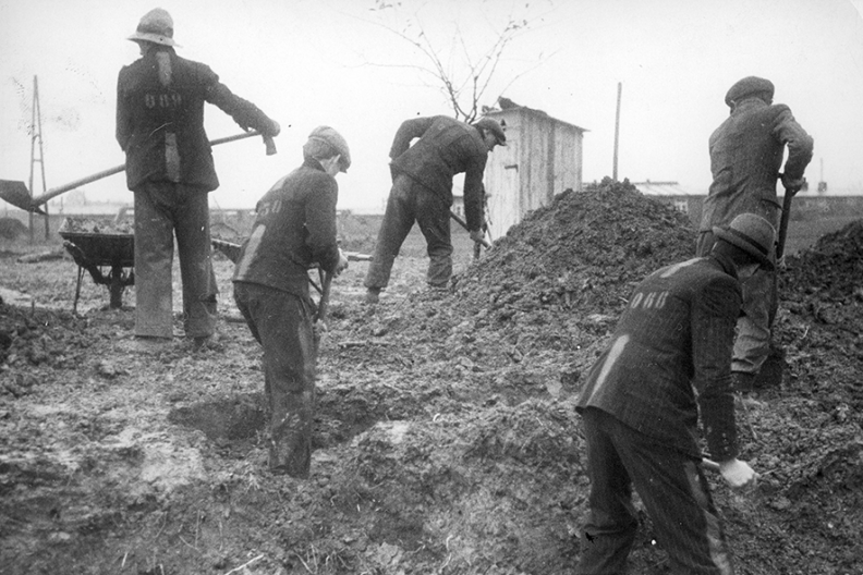 Polscy robotnicy przymusowi w III Rzeszy Fot. NAC