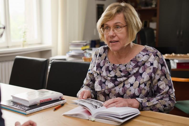 Małopolska Kurator Oświaty Barbara Nowak podczas rozmowy z miesięcznikiem