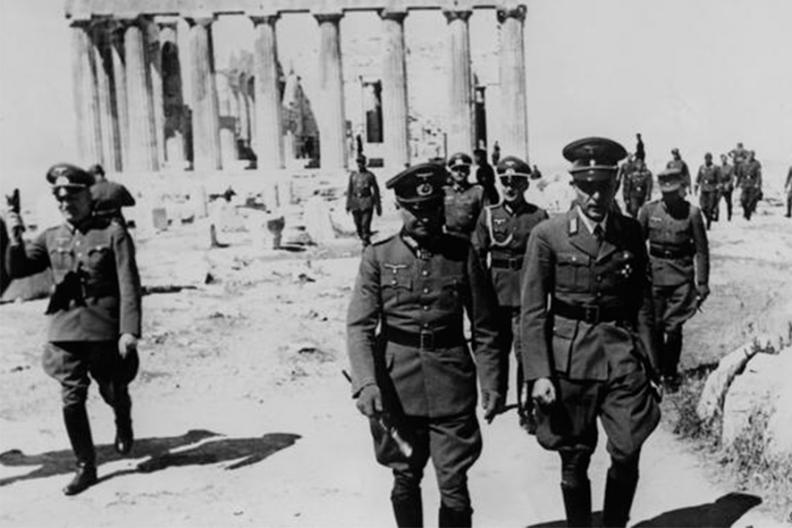 Niemieccy hitlerowscy żołnierze na Akropolu,