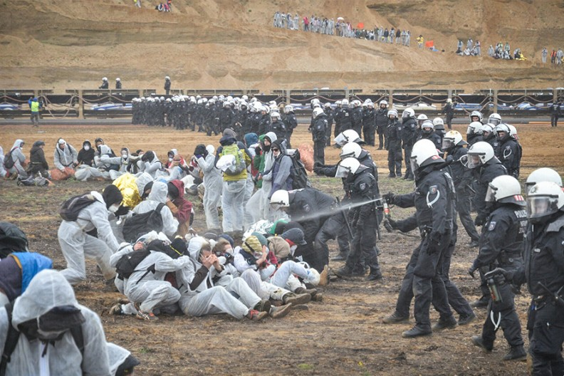 Protest obrońców klimatu  Fot. Ende Gelände@Flickr