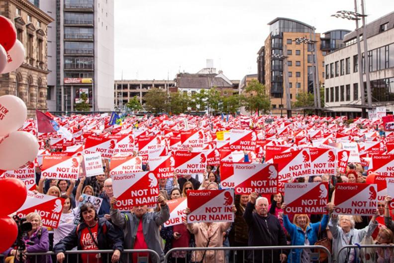 Marsz za ich życiem w Belfaście  Fot. catholicireland.net