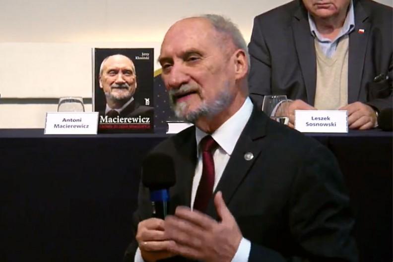 Antoni Macierewicz podczas premiery swojej biografii pt.