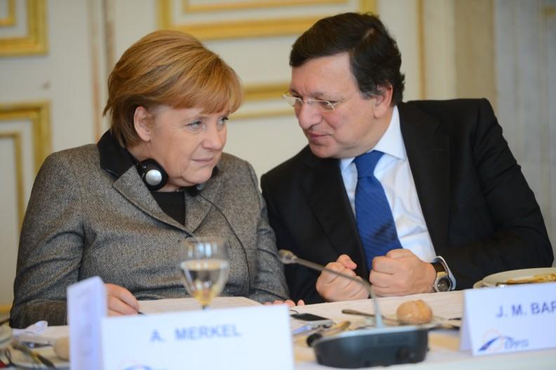 Kanclerz Niemiec Angela Merkel i były przewodniczący KE José Manuel Barroso.