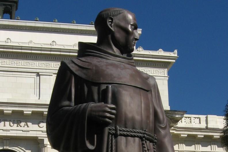 Junipero Serra, pomnik   Fot. Wikimedia