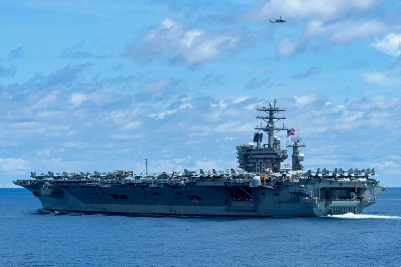 USS Nimitz (CVN-68)  Fot. US Navy