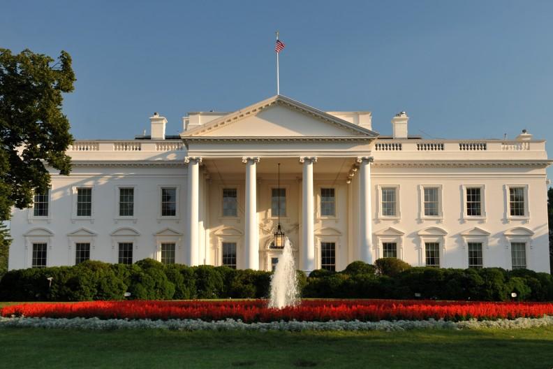 Biały Dom, rezydencja i miejsce pracy prezydentów USA. fot. By User:Cezary Piwowarczyk - Praca własna, CC BY-SA 4.0, https://commons.wikimedia.org/w/index.php?curid=4399222