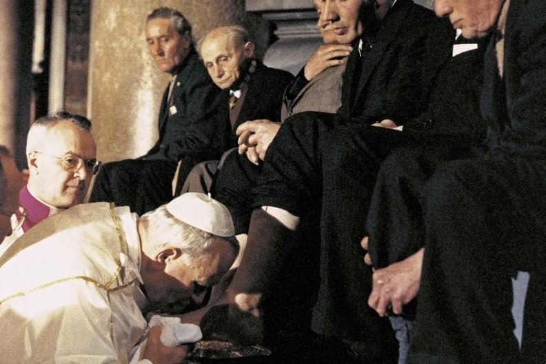 Rzym, Bazylika św. Jana na Lateranie, obrzęd umycia nóg, 3 kwietnia 1980