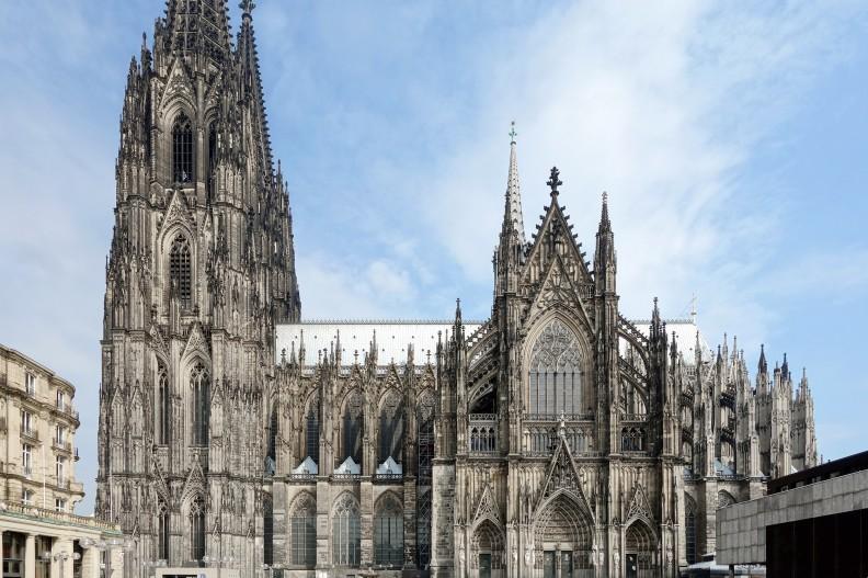Co zostanie z wiary naszych sąsiadów zza Odry? To, co dzieje się w Kościele w Niemczech może niepokoić. Na zdjęciu znana katedra w Kolonii, fot. autorstwa Velvet - Praca własna, CC BY-SA 4.0, https://commons.wikimedia.org/w/index.php?curid=35472522