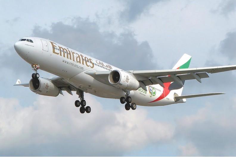 Zakaz przewozu sprzętu elektronicznego być może obejmie również loty linii Emirates. Fot.: Adrian Pingstone/ Wikimedia Commons