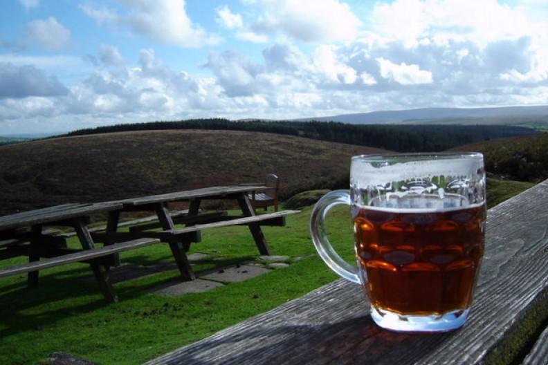 Picie pół litra piwa dziennie zmniejsza ryzyko chorób serca Fot.: Ian T/Wikimedia Commons
