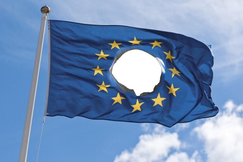Symbole Unii Europejskiej, jej hymn oraz sztandar, są z gruntu zakłamane. Nigdy nie uchodziły za to, za co chciały uchodzić. Fot.: zbiory własne