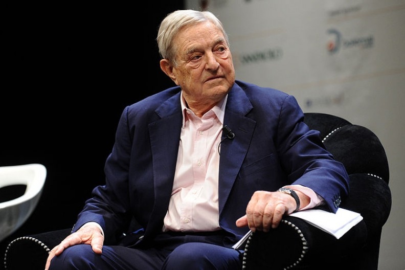 Urodzony w 1930 roku amerykański finansista węgiersko-żydowskiego pochodzenia jest fundatorem licznych fundacji na całym świecie. Fot.: Niccolò Caranti/ Wikimedia Commons