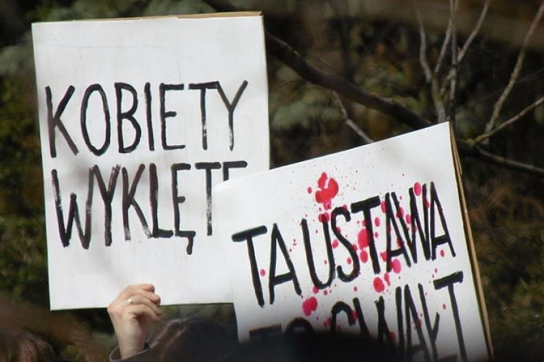 Kobiety walczące o prawo do aborcji, równocześnie odbierają prawo do życia nienarodzonym dzieciom Fot.: Tomasz Pniewski/Wikimedia Commons