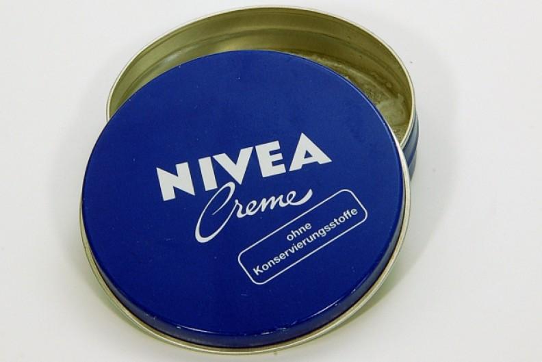 Opakowanie kremu Nivea, który jest produkowany przez niemiecką firmę. Fot.: Ra Boe / Wikipedia